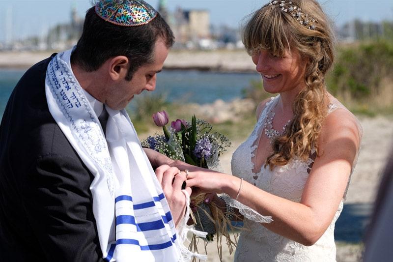 Romantic-beach-wedding